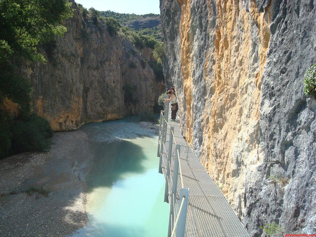 Ruta de las pasarelas sobre el rio Vero
