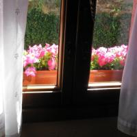 Casa Rural Ginkgos Ventana dormitorio