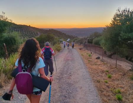 """Gran éxito en la ruta de senderismo nocturno """"En busca de las Perseidas"""" por lapuebladelosinfantesayuntamiento"""