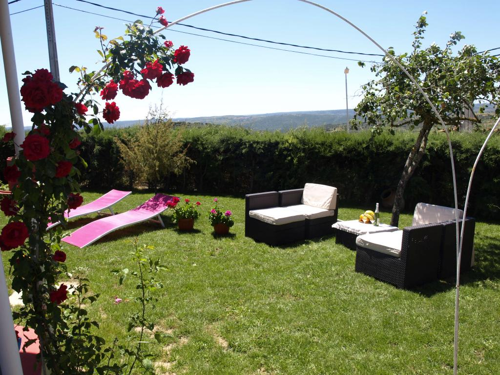 Casa rural el jard n de las arribes for Jardines ideas economicas