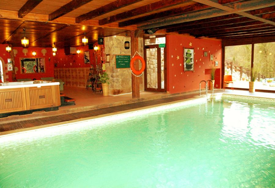 Apartamento rural apartamentos rurales y spa la b rcena for Casas rurales alicante con piscina