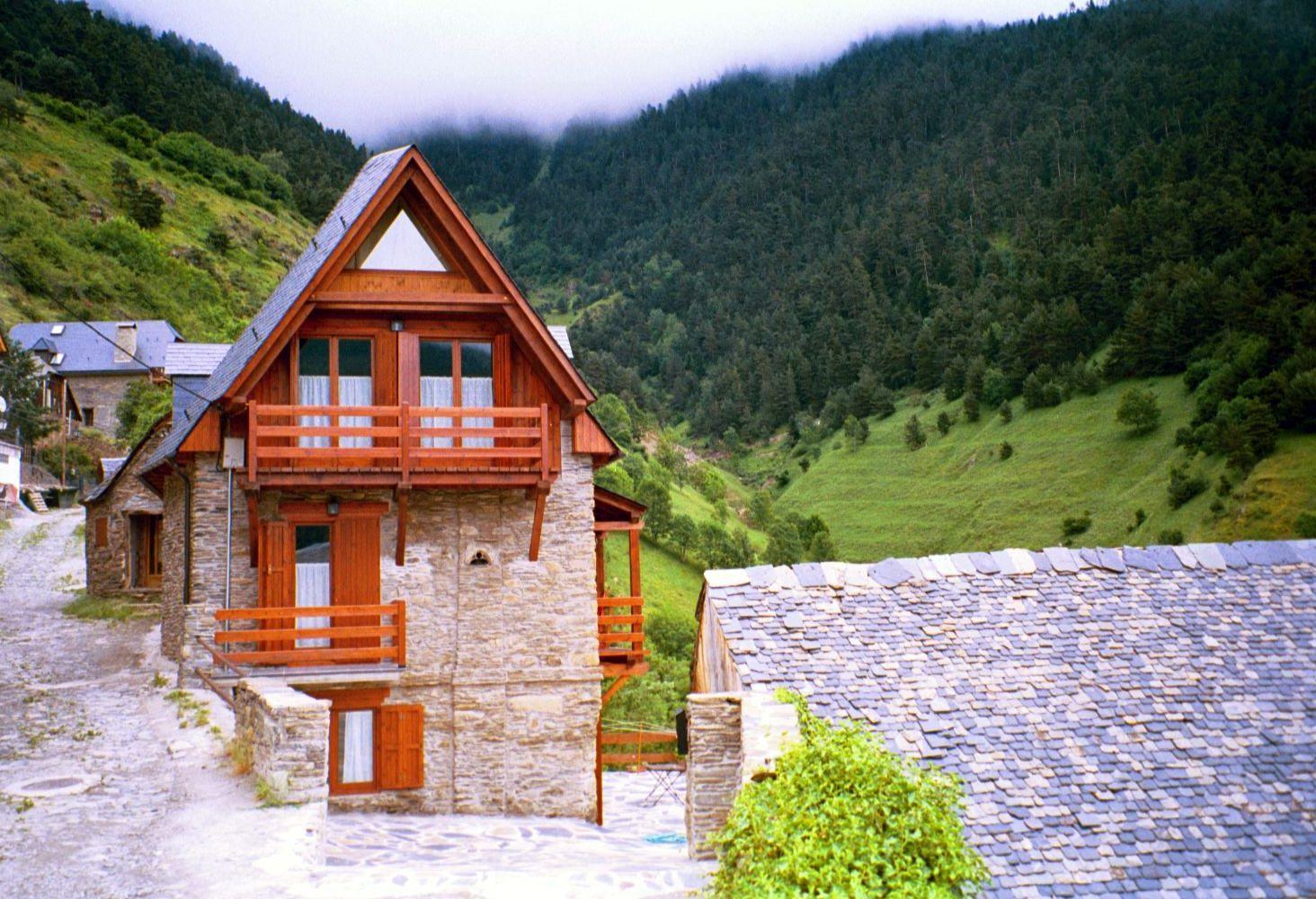 Apartamento rural apartamentos aran - Casas rurales valle de aran ...