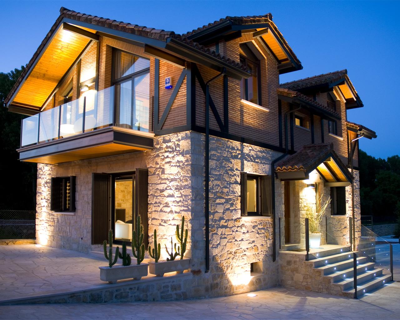 Casa rural alojamiento la luz de la sierra for Planos de casas rurales