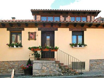 Casa rural villa de san leonardo - Fachadas casas de pueblo ...