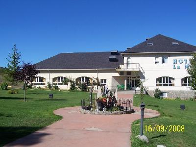 HOTEL LA MORA